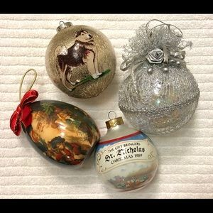 LOT OF 4: VINTAGE CHRISTMAS HOLIDAY ORNAMENTS